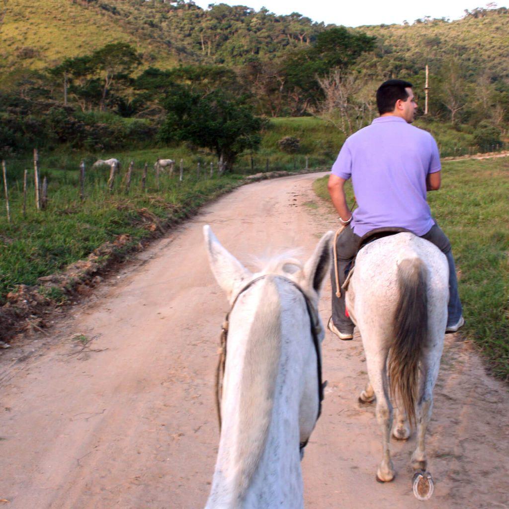 Pedras Negras: Hotel Com Passeio A Cavalo
